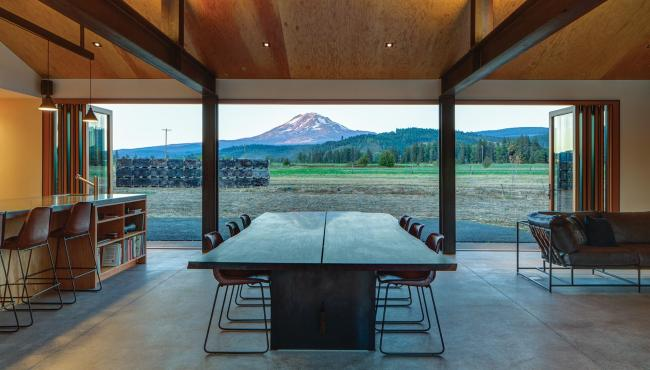 Centor 205 Integrated Folding Doors overlooking mountain views